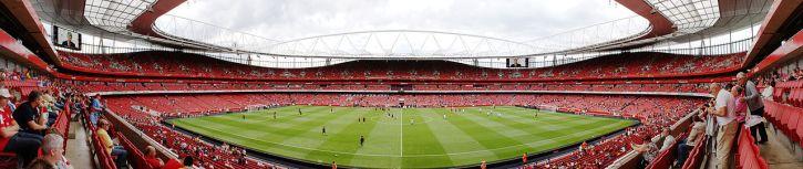 1280px-Emirates_Stadium_-_East_stand_Club_Level